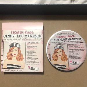 BRAND NEW theBalm Cindy-Lou Manizer Highlighter